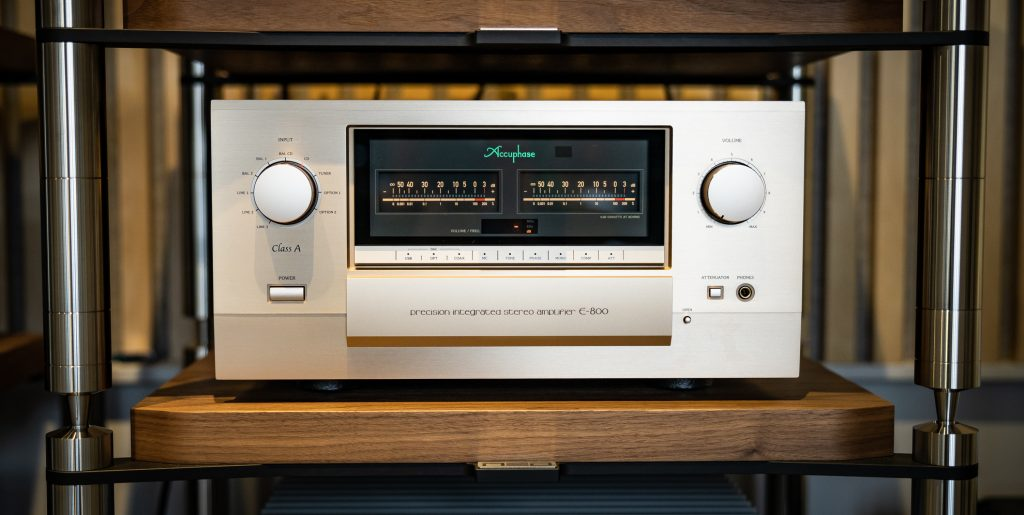 Accuphase E-800 ifrån vårt showroom i Stockholm.